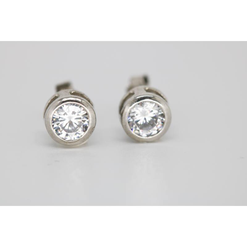 Mit tud nyújtani az ezüst bedugós fülbevaló?